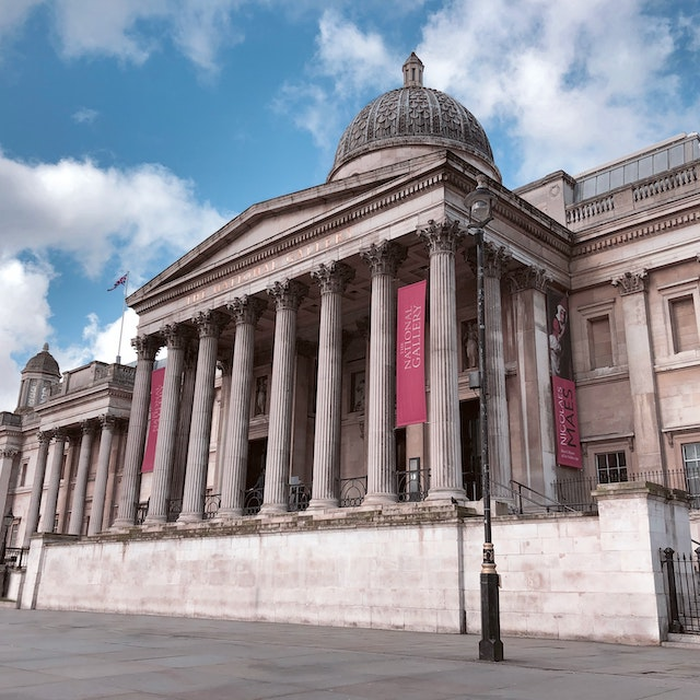 Greek-style architecture of the National Gallery in London bucket list things to do in London